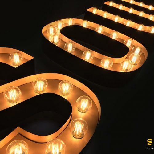 Retro-Leuchtbuchstaben vom Hersteller